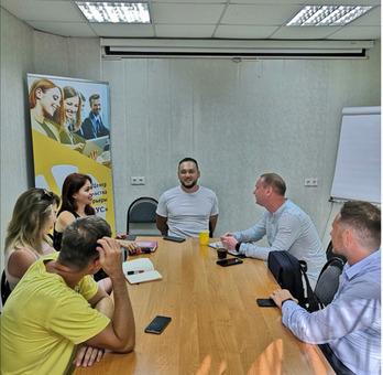Бизнес разбор с Максимом Петровым